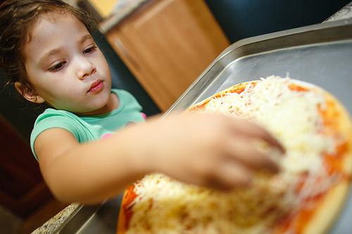 pizza child photo