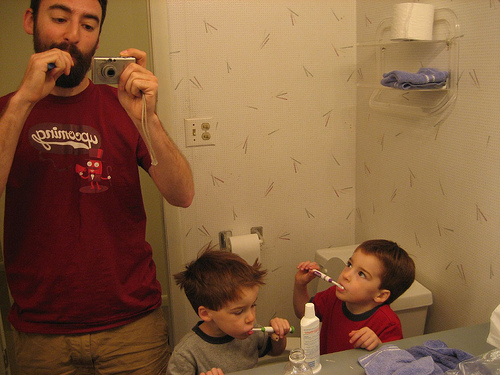 brush teeth photo