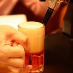ビールを美味くする泡の注ぎ方は?