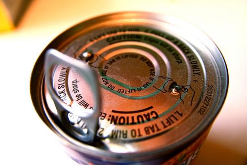 古い缶詰 photo