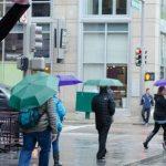 折りたたみ傘のたたみ方とシワを伸ばして撥水効果を復活する方法