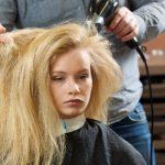 ドライヤーで静電気から髪の毛まもって潤いある髪になるには?